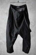 Load image into Gallery viewer, SOSNOVSKA OFFSET BUCKLE PANTS (BLACK)