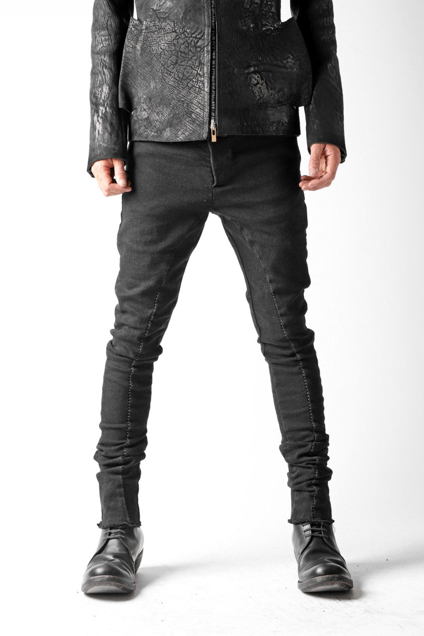 画像をギャラリービューアに読み込む, thomkrom OVERLOCKED BIAS FRONT SKINNY / STRETCH DENIM (BLACK)