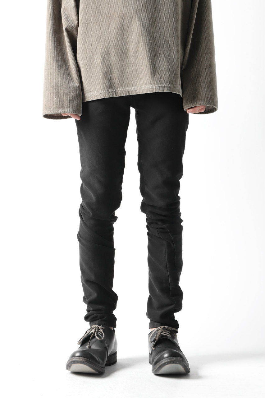 "VERSUCHSKIND ""TIGHT"" RAW WASH DENIM / DEEP BLACK"