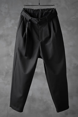 KAZUYUKI KUMAGAI Wide Tapered Trousers with Belt / Compact Strong Twill (DARK GREY)