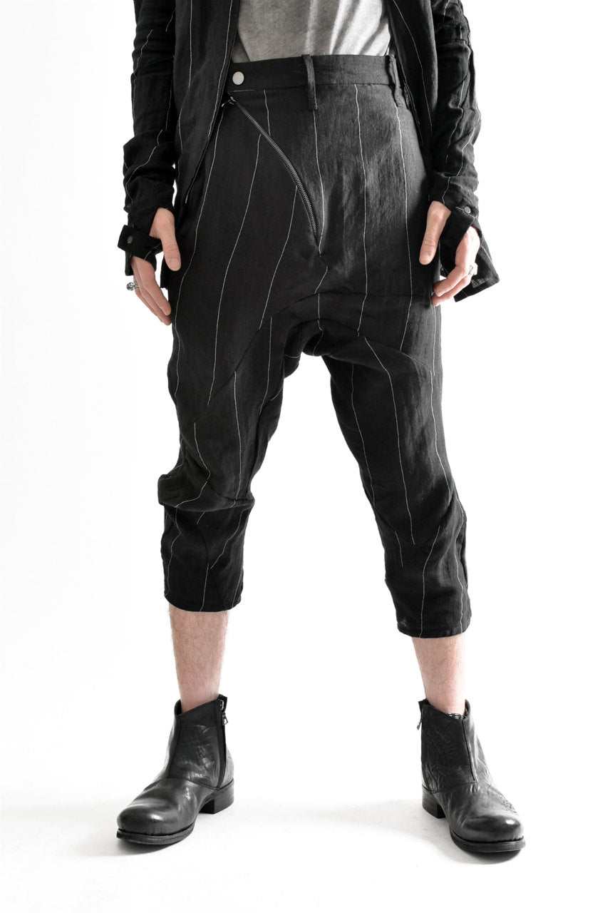 画像をギャラリービューアに読み込む, LEON EMANUEL BLANCK DISTORTION 3QUARTER CHEM CROPPED PANTS / PINSTRIPE (BLACK)