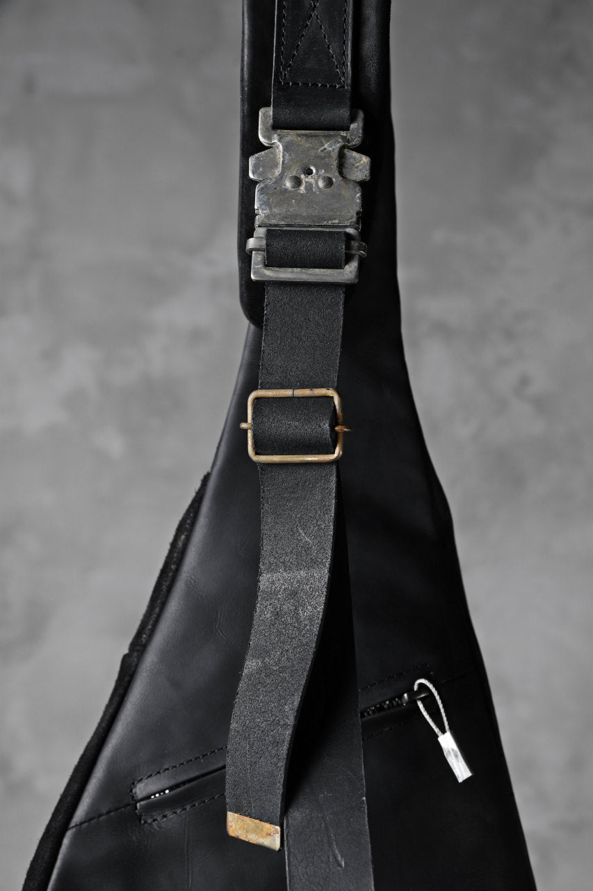 ierib exclusive One Shoulder Bag / Waxy JP Horse Butt + Nicolas Italy Vachetta (BLACK)