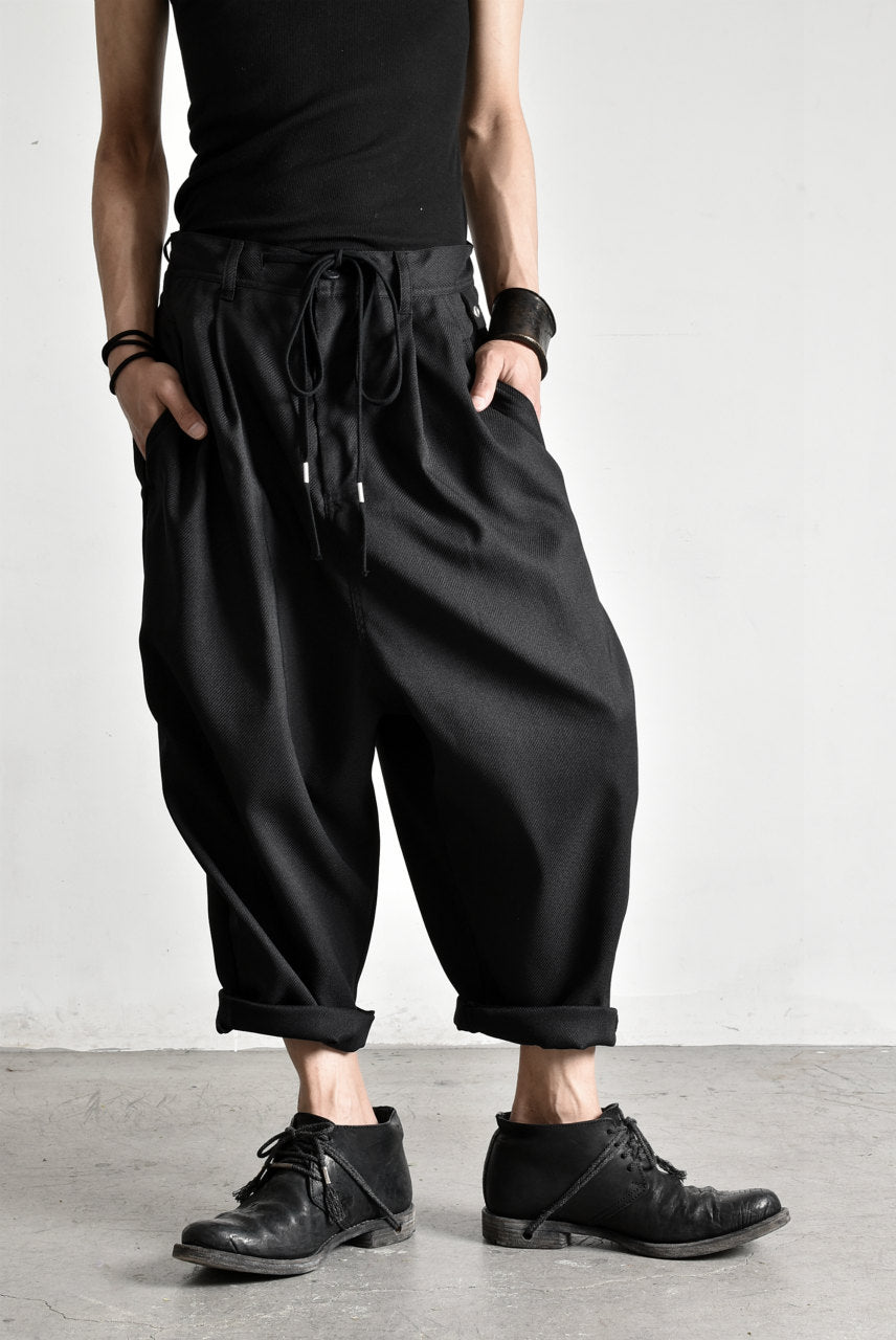 "N/07 ""MAUSK Detail"" Three Dimensional Wide Tuck / Dart Cropped Pants #2 (BLACK)"