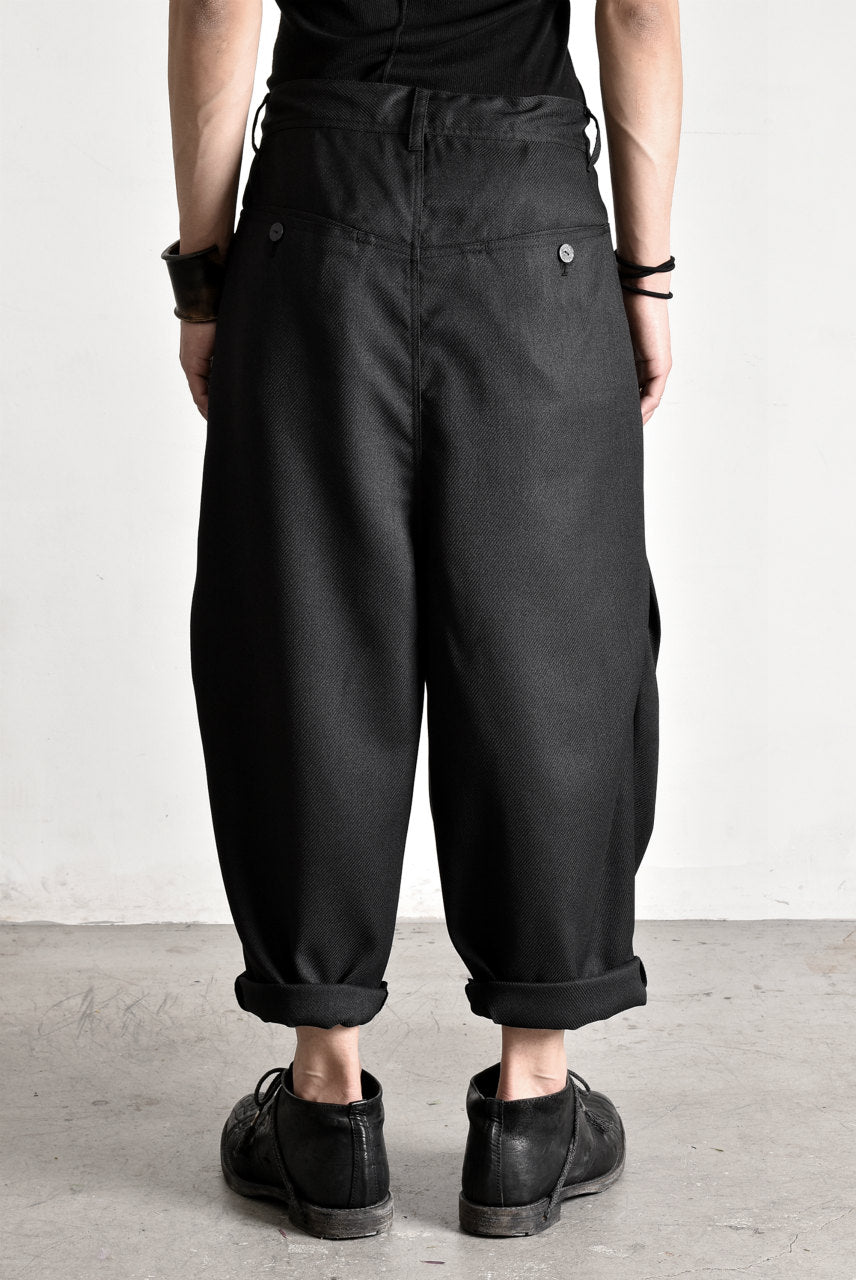 "画像をギャラリービューアに読み込む, N/07 ""MAUSK Detail"" Three Dimensional Wide Tuck / Dart Cropped Pants #2 (BLACK)"