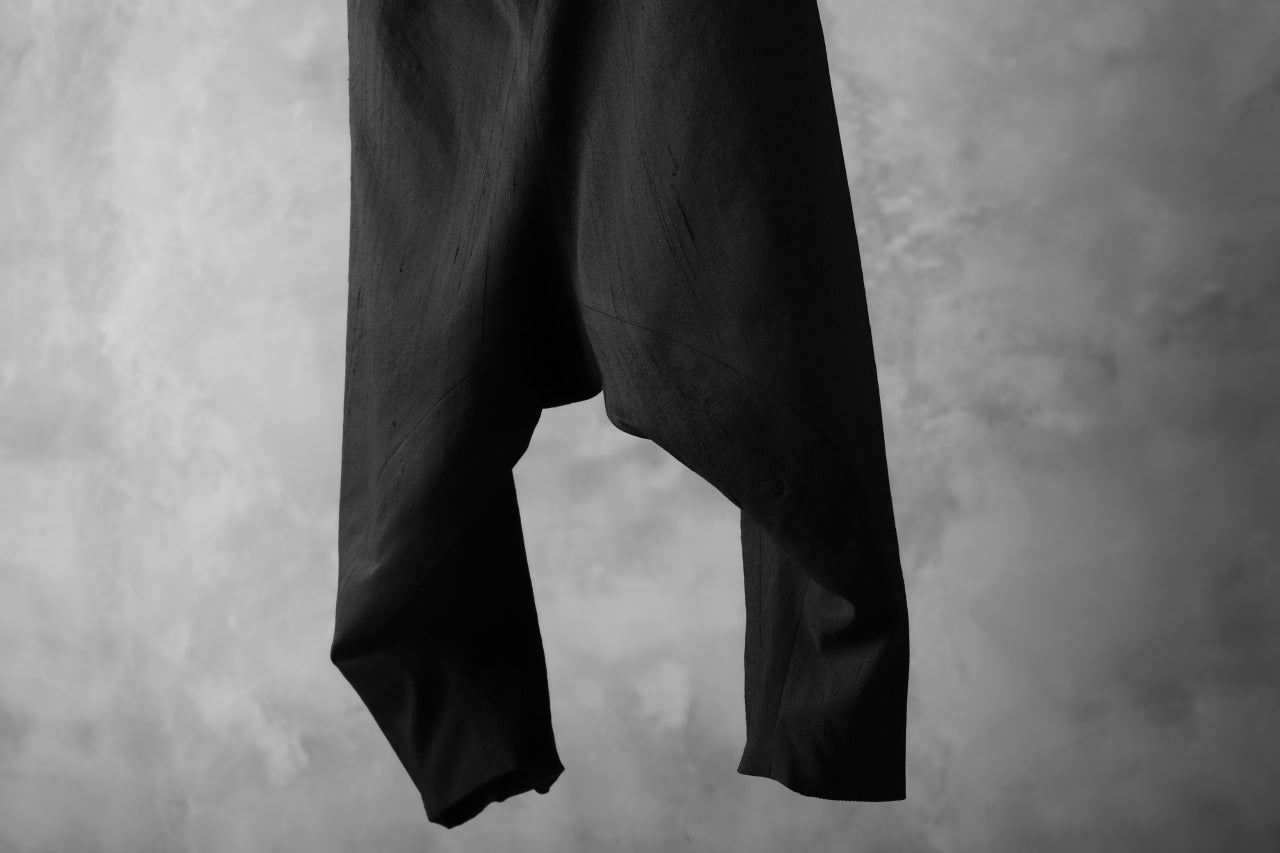 SOSNOVSKA exclusive NARROW CLOWN PANTS / SCRATCHED SILK (BLACK)
