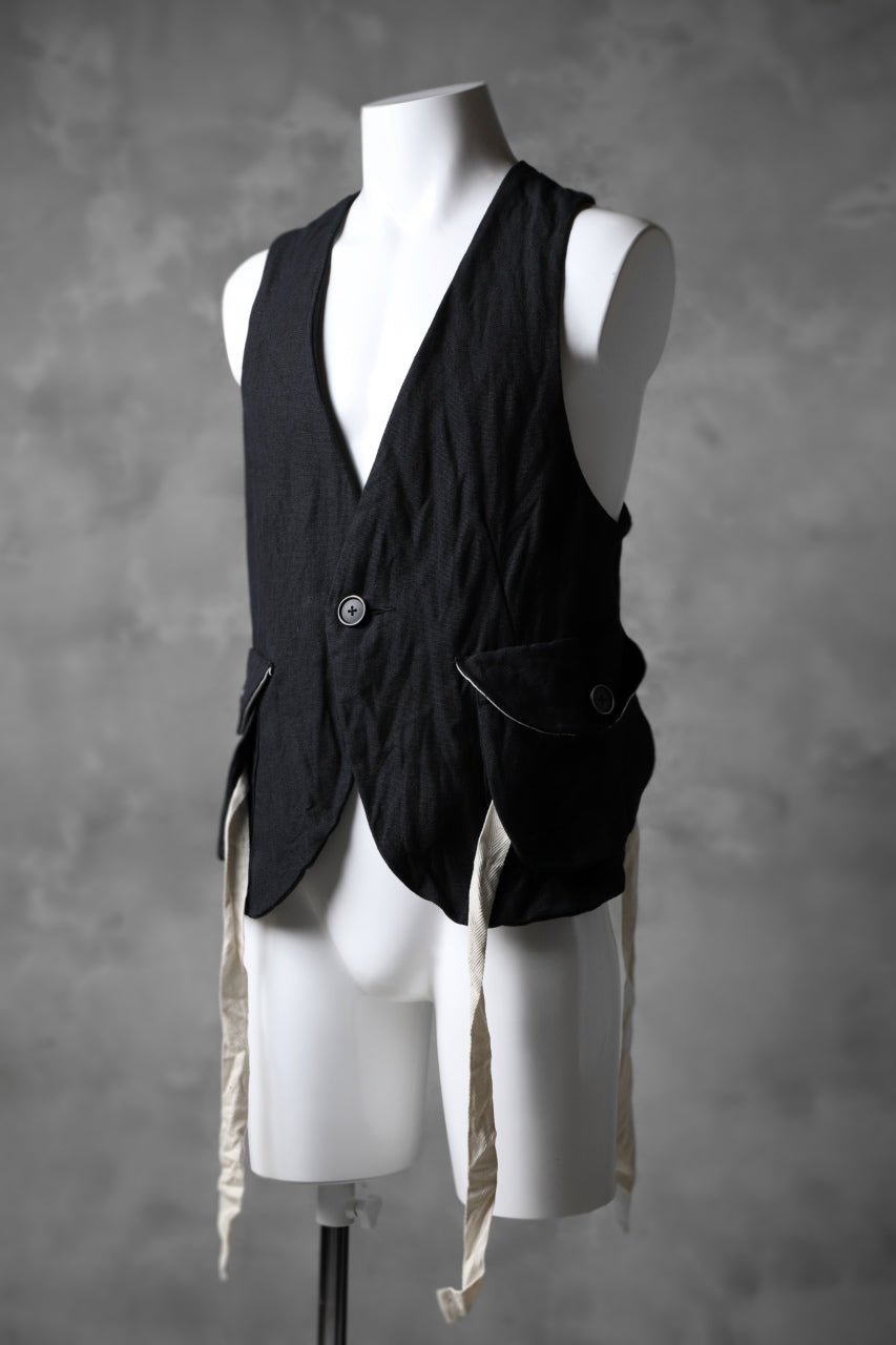 KLASICA CROSS BACK POCKET VEST / RAMIE (CARBON)