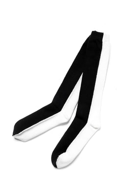 A.F ARTEFACT BI COLOR HIGH SOCKS (BLACK x WHITE)