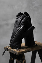 Load image into Gallery viewer, The Viridi-anne STRUCTURED ZIP GLOVE / CALF SKIN