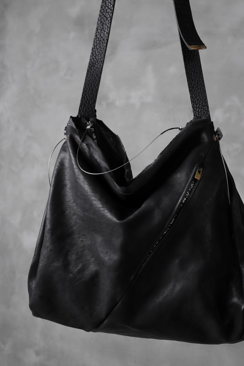 ierib x LOOM exclusive DR shoulder bag / oiled horse and bull (BLACK)