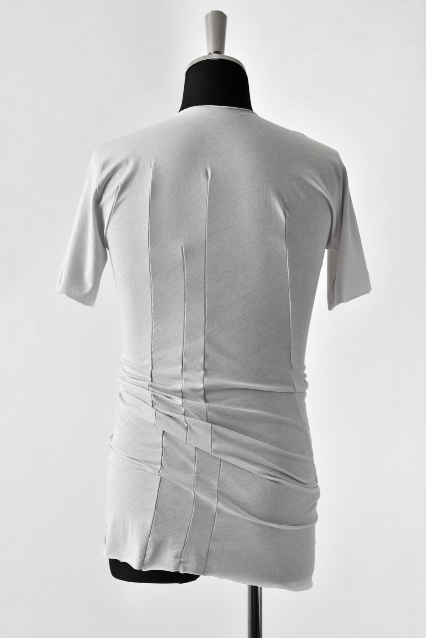 LEON EMANUEL BLANCK DISTORTION FITTED T / STABLE COTTON JERSEY (LIGHT GREY)