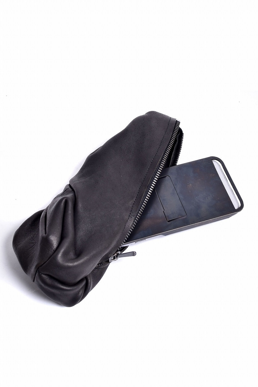 画像をギャラリービューアに読み込む, LEON EMANUEL BLANCK DISTORTION LEATHER POUCH / GUIDI HORSE (BLACK)