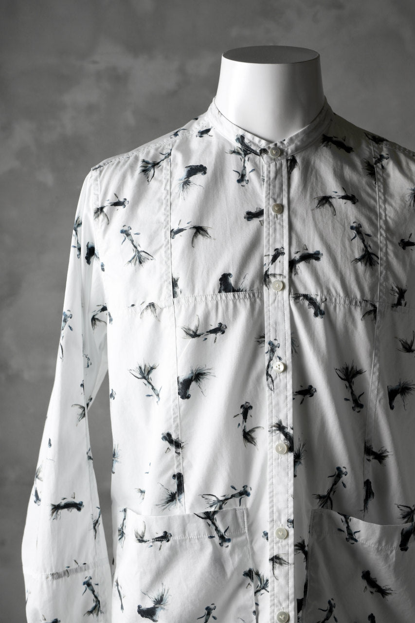 The Viridi-anne x PATRICIA MARCH STAND COLLAR SHIRT / GOLD FISH DRAWING