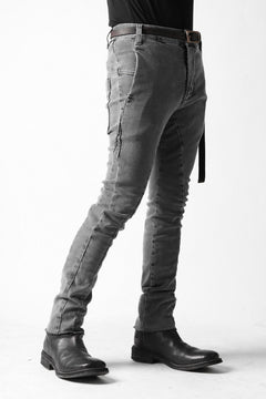 Load image into Gallery viewer, thomkrom OVER LOCKED SLIM TROUSERS / FADE STRETCH DENIM (LIGHT GREY)