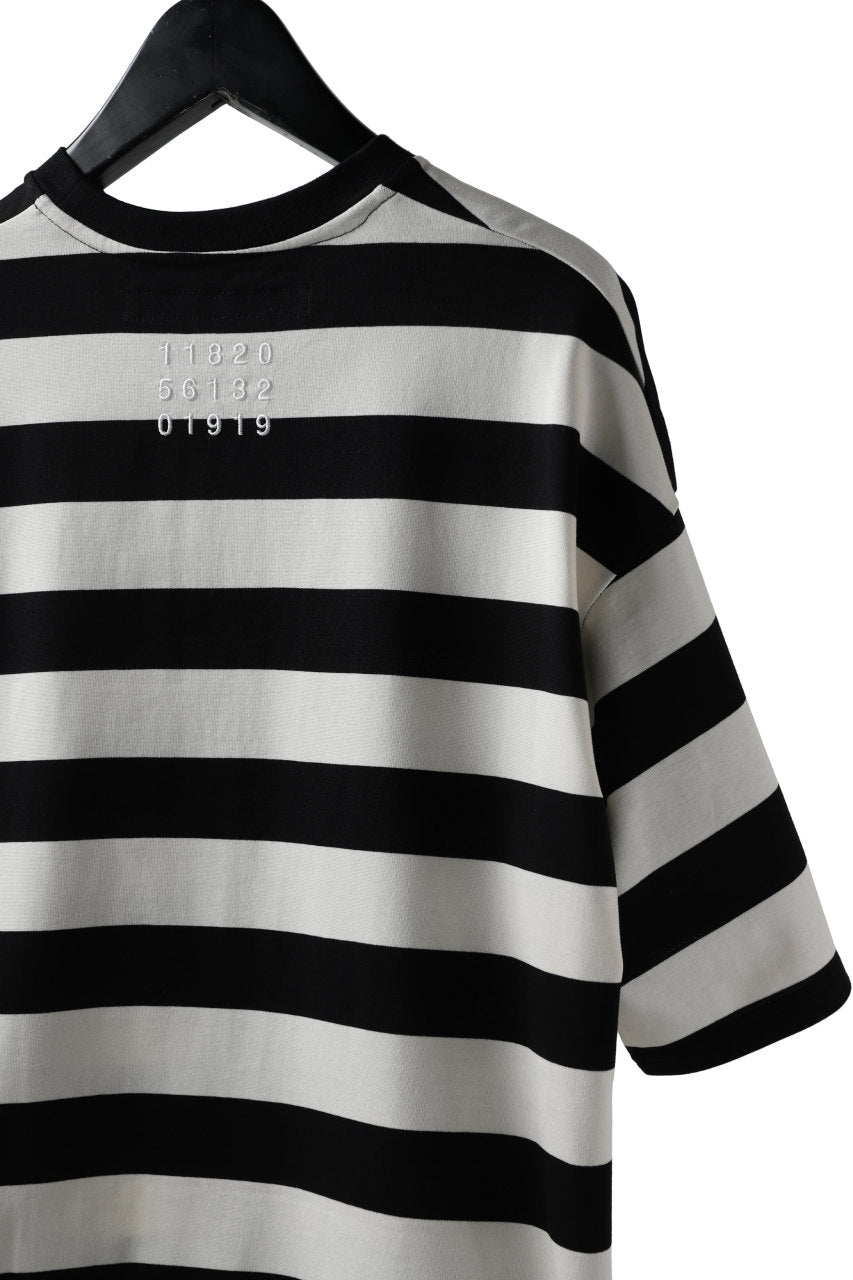 A.F ARTEFACT HORIZONTAL OVER SIZED TOPS (BLACK x IVORY)