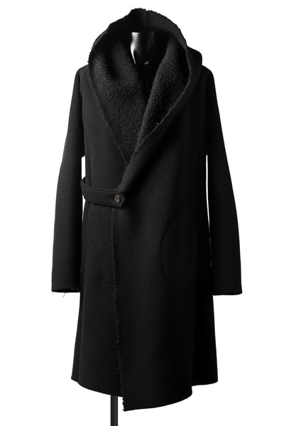 forme d'expression exclusive Hooded Robe Coat (Black)