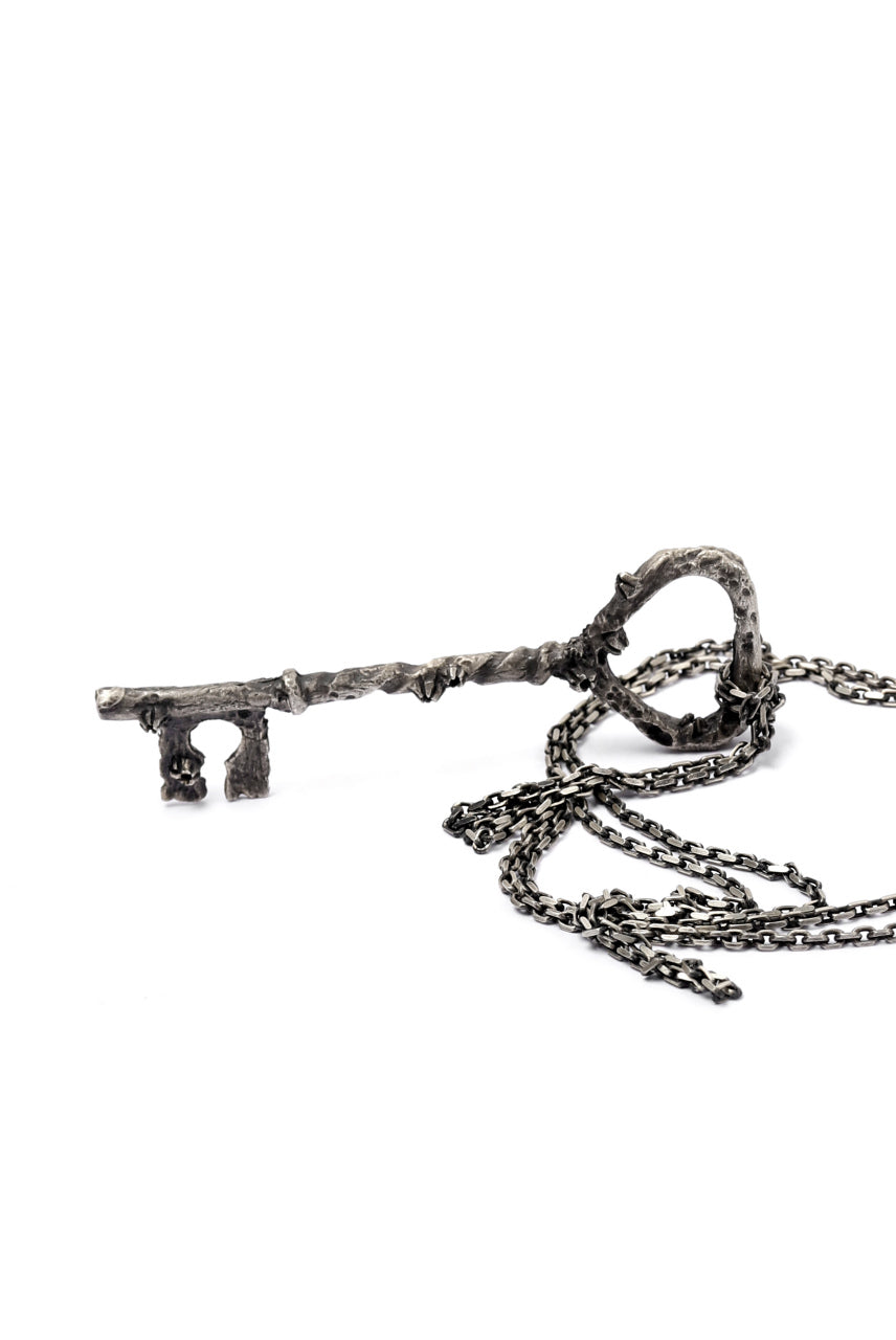 画像をギャラリービューアに読み込む, Holzpuppe Barnacles Rusted Key Pendant Necklace (KN-607)
