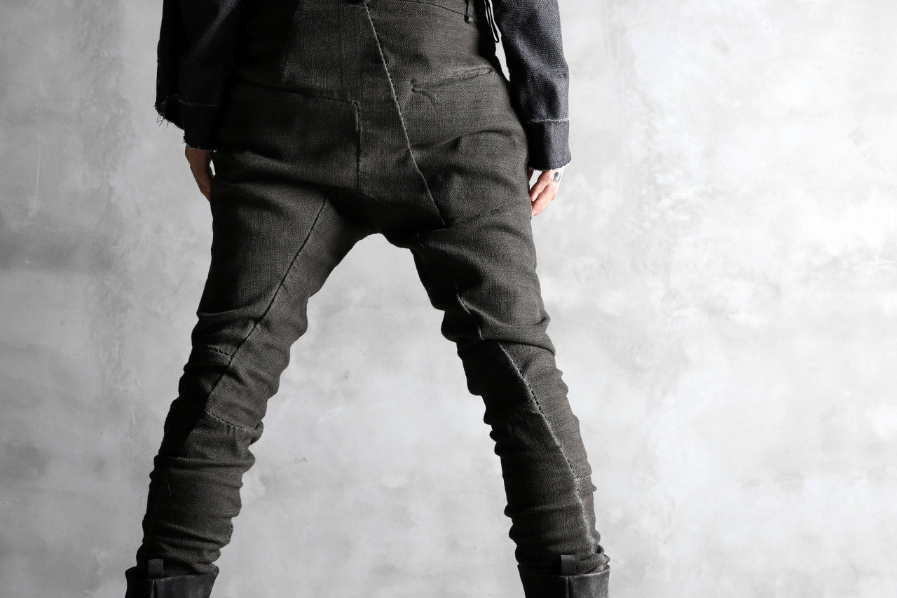 masnada SCAR STITCHED RAW EDGE SKINNY PANT / OBJECT DYED (LEGION)