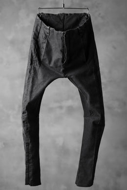 masnada SCAR STITCHED LINE SKINNY PANT / WASHED RESIN-COAT DENIM (WASHED BLACK)