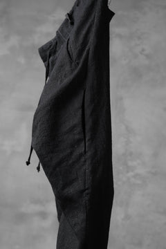 Load image into Gallery viewer, masnada PANTA BAGGY VAN 6POCKETS / CRUMPLED LINEN COTTON (BLACK)