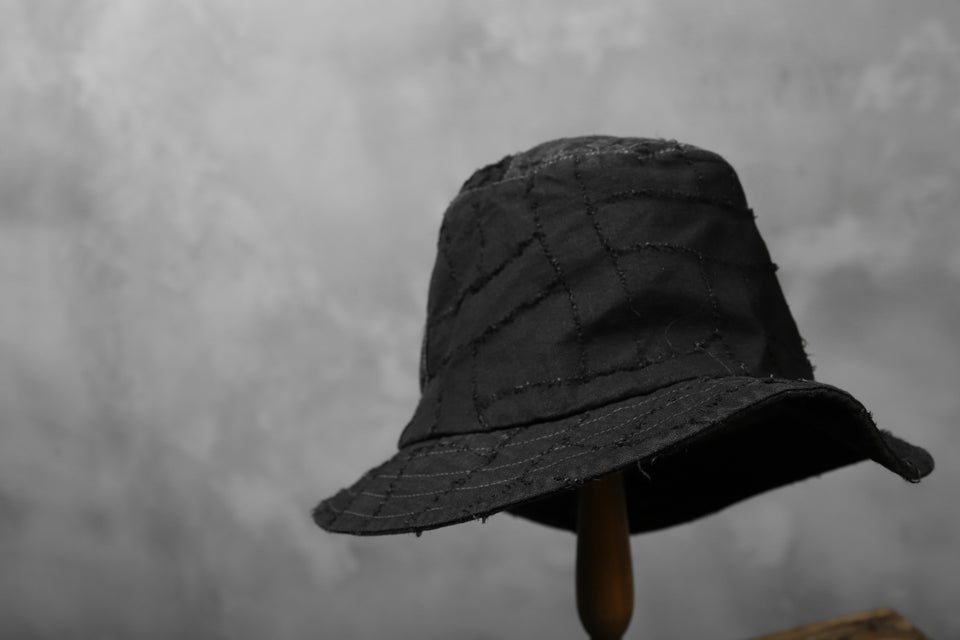 Load image into Gallery viewer, masnada SALVAGE BUCKET HAT /NEEDLED COTTON LINEN (BLACK)