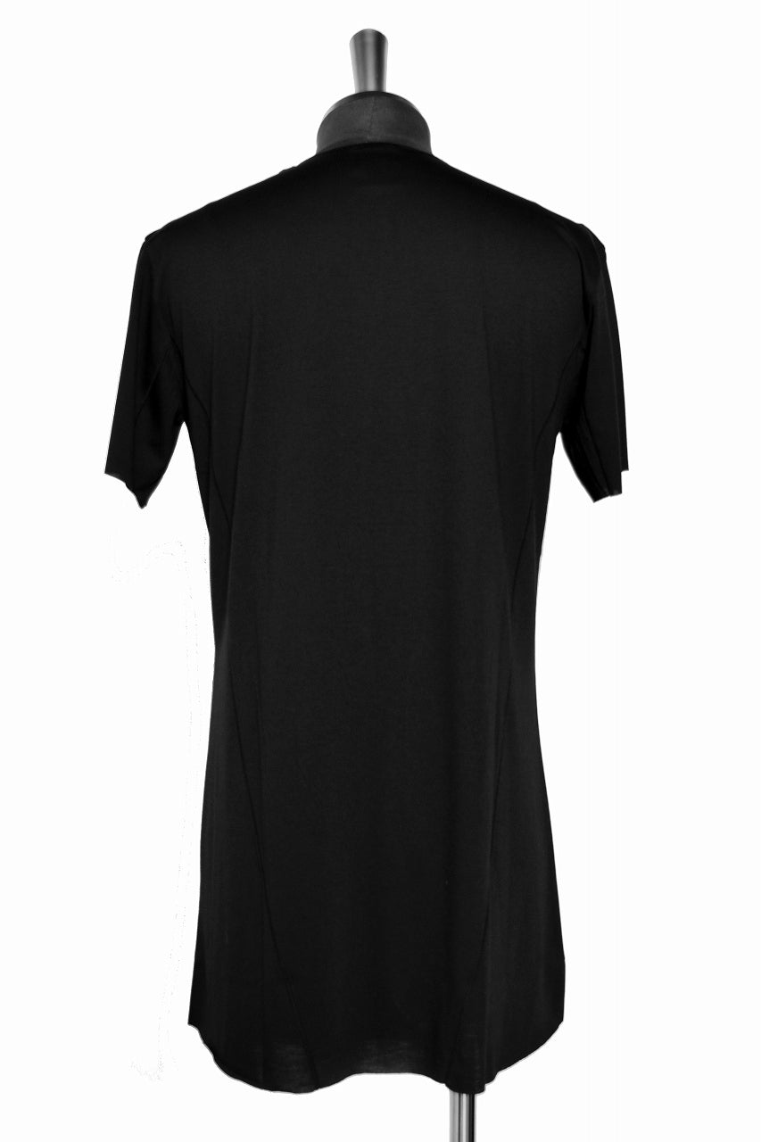 "Load image into Gallery viewer, N/07 curved seam Tee ""SMOOTH TECH"" (BLACK)"