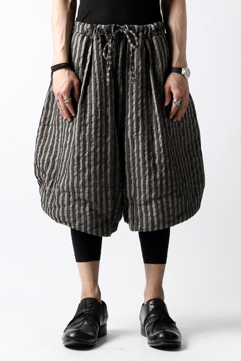 un-namable exclusive Tulip Wide Short Pants / Sarti Stripe (STRIPED BLACK×WOOD)