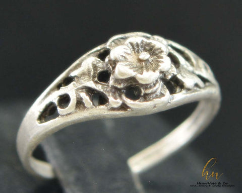 Embedded Beauty Ring - CosmeticsWarehouseOutlet&Perfumery.