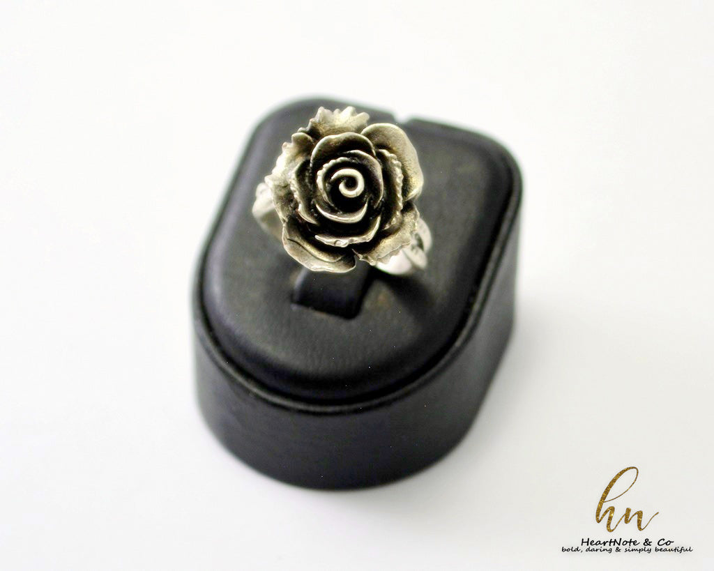 Rose Of Brilliance Ring - HeartNote&Co.