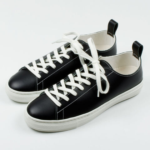 Buddy - Bull Terrier Low Smooth Leather Sneakers - Black