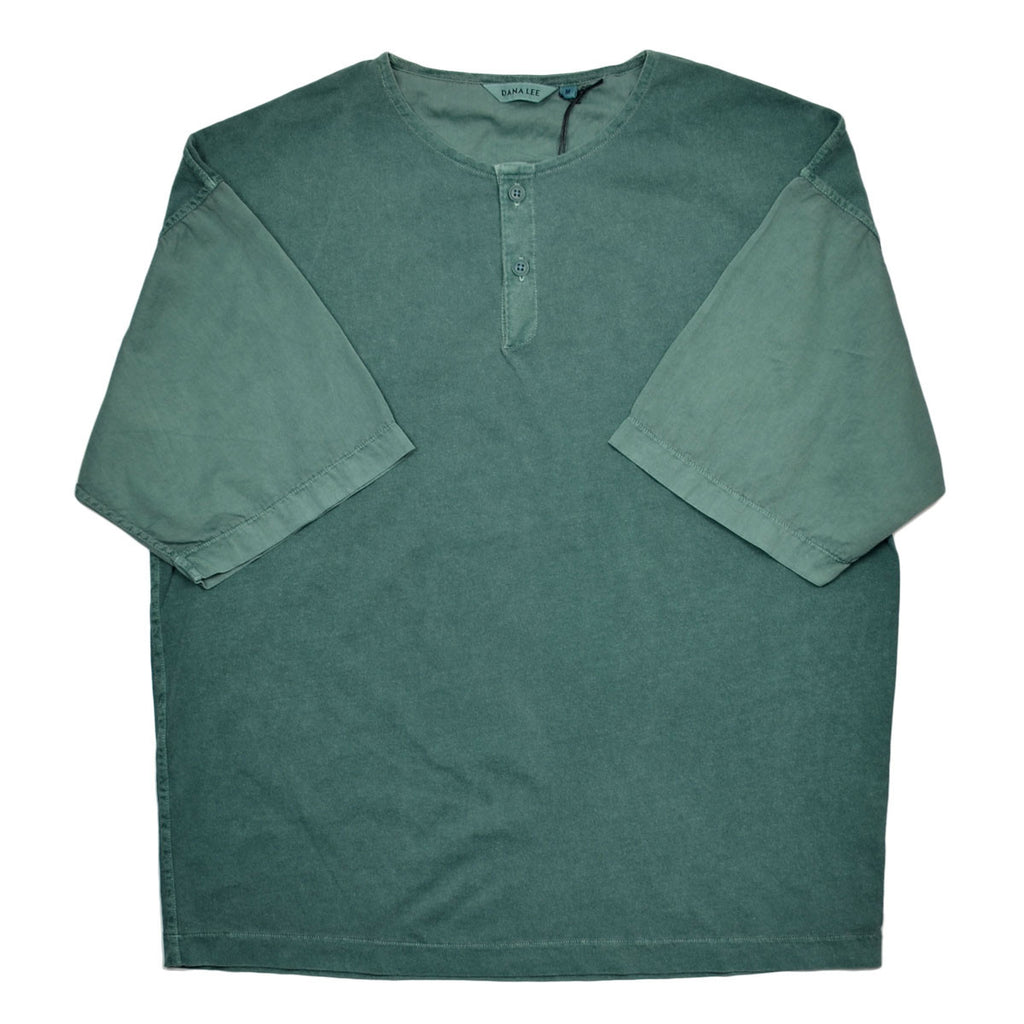 Dana Lee - Twill-sleeved Henley T-shirt - Phtalo Green Sunwash