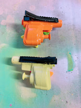Load image into Gallery viewer, Bright Fun Squirt Gun  (Mini Hair Clips)