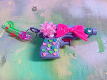 Load image into Gallery viewer, Purple Present Squirt Gun  (Bag Clip)