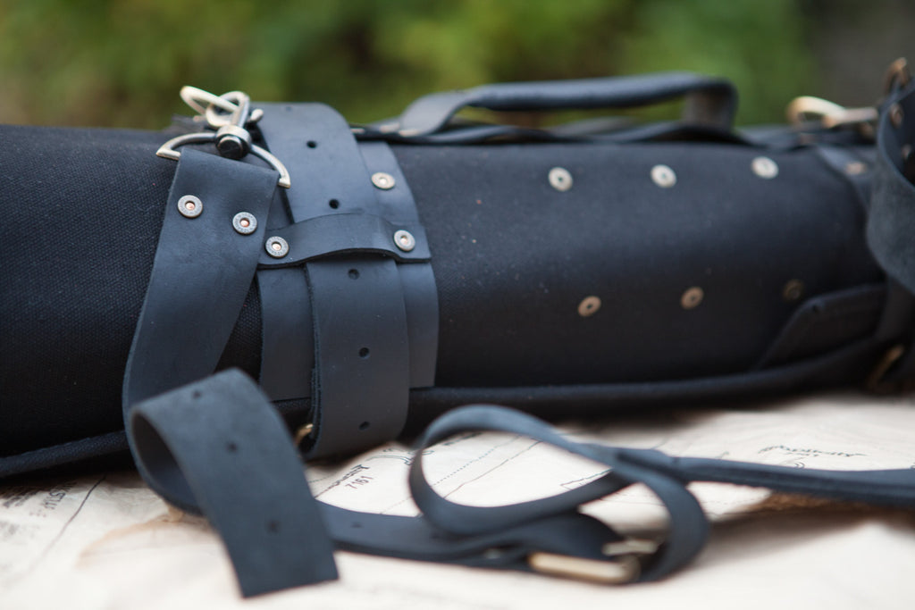 Leather shoulder strap (detachable)