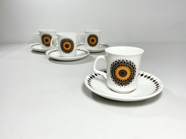 J&G Meakin Inca Cups Saucers Staffordshire Pottery Ceramic Orange - Scandiwegians