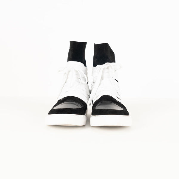 BLACK AND WHITE SNEAKERS - Lefashionclothes