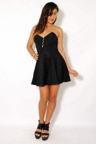 (amd) Sweetheart strapless fit & flare black dress