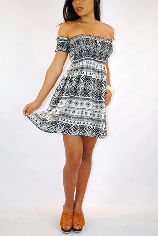 (amm) Short sleeves southern print ivory dress