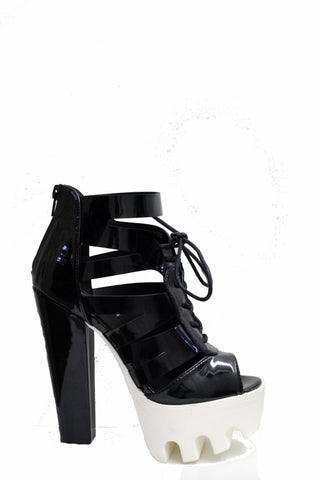 (ame) Strappy laced up lug platform black heel