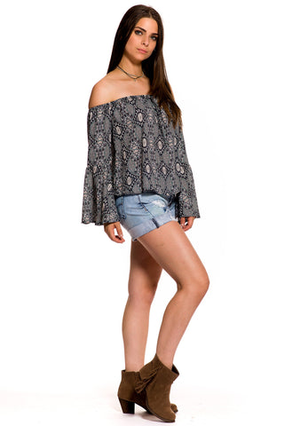 (akz) Printed off the shoulder loose fit top -Blue-