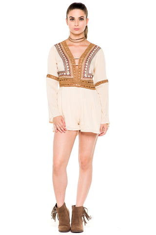 (akz) Crochet ethnic embroidery bell sleeves romper -beige-