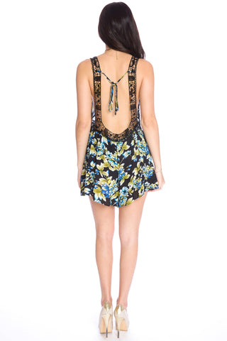 (aku) Floral print low under arm holes romper