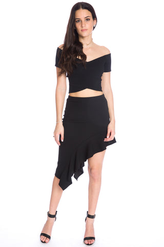 (aku) Off the shoulder short sleeves crop top -Black-