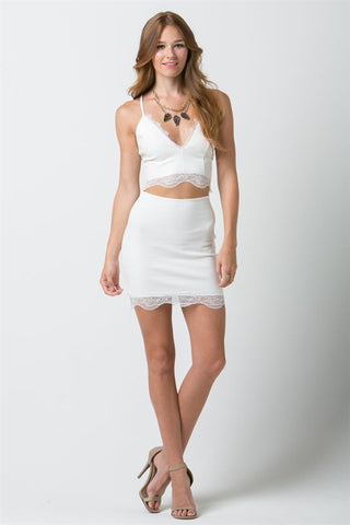 (ana) Fitted lace trimmed short ivory skirt