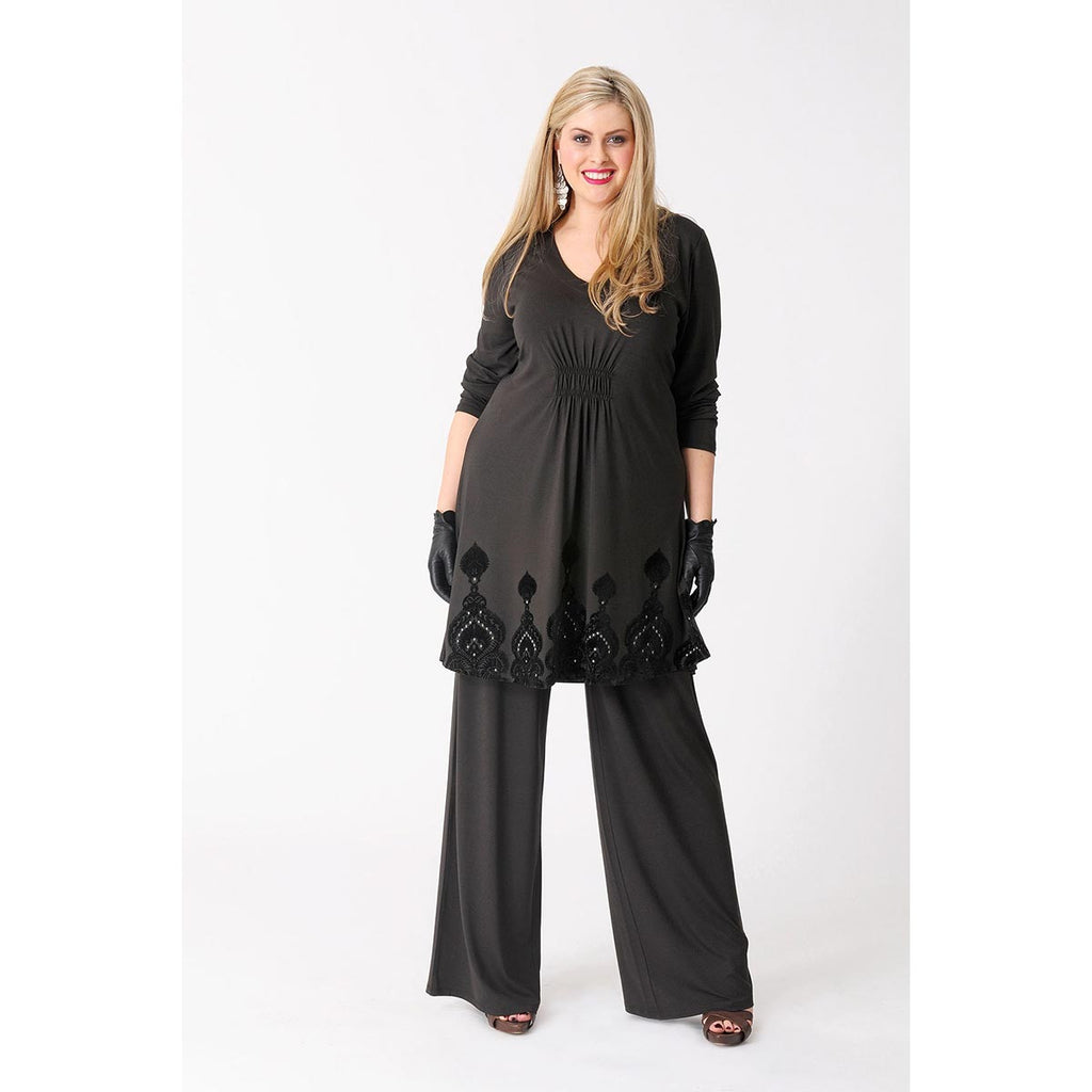 Yoek Tunic with Flocked Bottom Detail