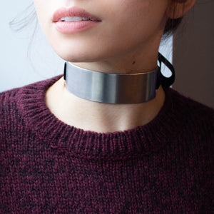 Metalchic tie on choker (thick)