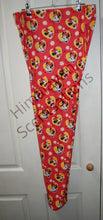 Load image into Gallery viewer, Minnie Likes Red Leggings