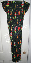 Load image into Gallery viewer, Grinch Leggings