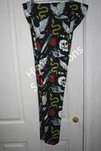 Load image into Gallery viewer, Rose Skull Leggings