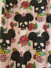 Load image into Gallery viewer, Mickey Floral Leggings