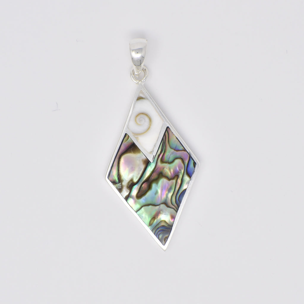 Diamond Shaped Pendant with SE Top